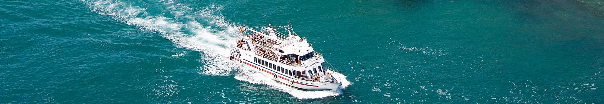 Barco por la Bahía de Santander